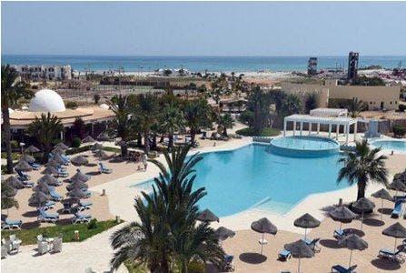 Photo of إسرائيل تحذر رعاياها من السفر إلى تونس