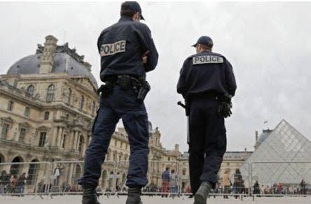 Photo of الأمن الفرنسي يعتقل خمسة إرهابيين ويصادر أسلحة