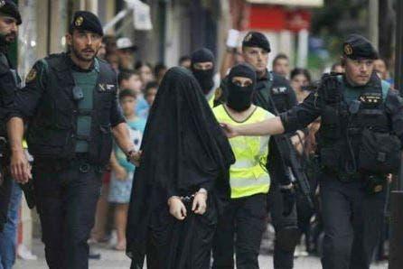 Photo of السجن 5 سنوات لمغربية حاولت الالتحاق بداعش