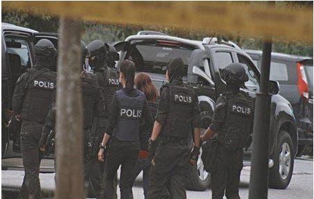 Photo of ماليزيا .. القبض على تركيين يمولان داعش