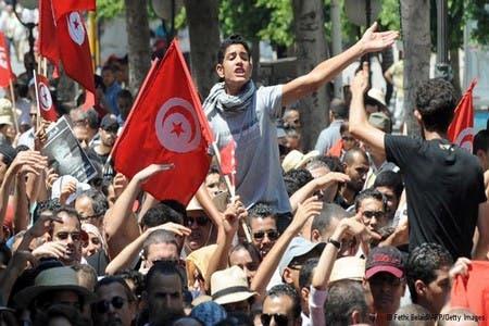 Photo of الشرطة تفرق تظاهرة ضد ارتفاع الأسعار بتونس