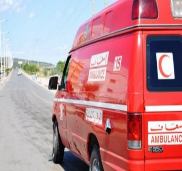 Photo of إصابة 13 شخص في حادث اصطدام بين حافلة وشاحنة وسيارة بالعرائش