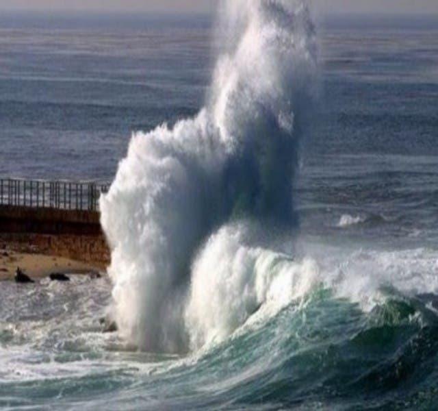 Photo of أمواج عالية ما بين 4 و6 أمتار على الواجهة الأطلسية