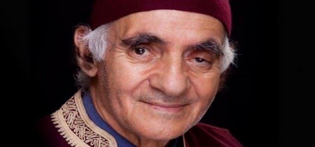 Photo of عبد الرؤوف يصارع المرض من غرفة الإنعاش وابنه يؤكد خطورة حالته