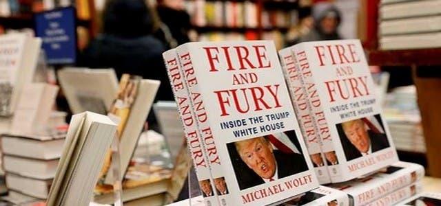 """Photo of كتاب """"نار وغضب"""" الأعلى مبيعا على الإنترنت"""