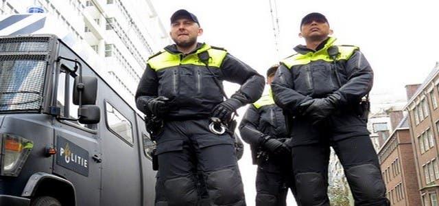Photo of شرطة هولندا توقف ألبانيا أقدم على قتل مغربي بإيطاليا