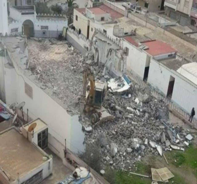 """Photo of هدم المسجد الذي قاطع فيه """"الزفزافي"""" خطيب الجمعة"""