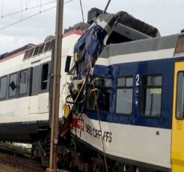 Photo of إصابة 200 شخصا في حادث تصادم قطارين بجنوب إفريقيا