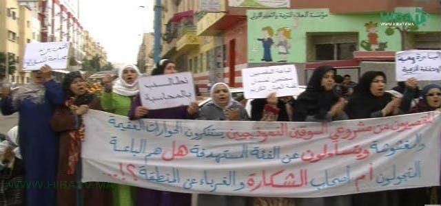 Photo of تجار مقصيون يتهمون 'بام سيدي مومن' بنهج سياسة الزبونية(+فيديو)