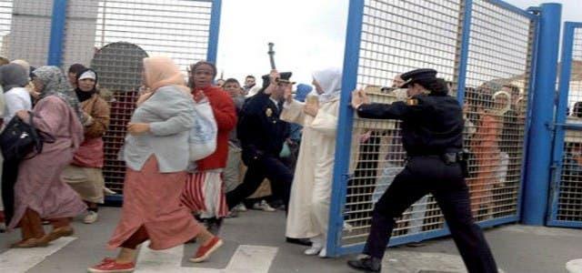 Photo of مقتل مغربي بمعبر مليلية يجر بوريطة للمساءلة
