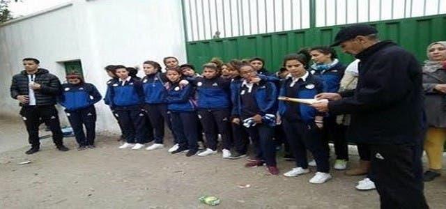 Photo of برلماني يمنع فريق إناث لكرة القدم من إجراء مقابلة بالبطولة
