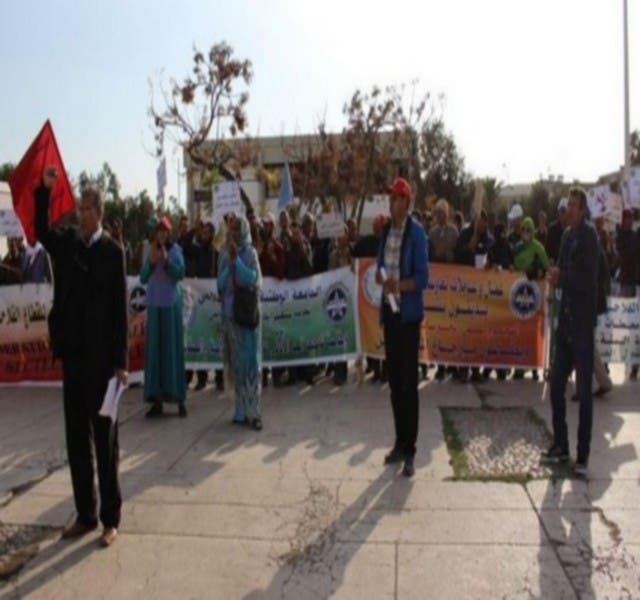 Photo of العمال الزراعيون يحتجون بأكادير .. وهذا السبب