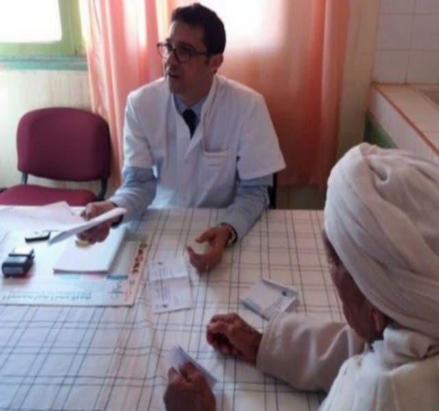 Photo of أطباء متطوعون يجرون 6 عمليات جراحية و250 فحصا طبيا مجانا بالراشيدية