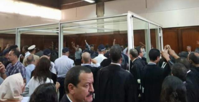 Photo of محامي الدولة يطالب المحكمة بإنهاء وضع الزفزافي بزنزانة انفرادية