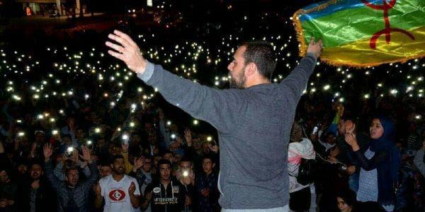 """Photo of الـزفزافي ينتفض: """"حاكموا من هرب أموال المغرب لـ"""" بناما """""""