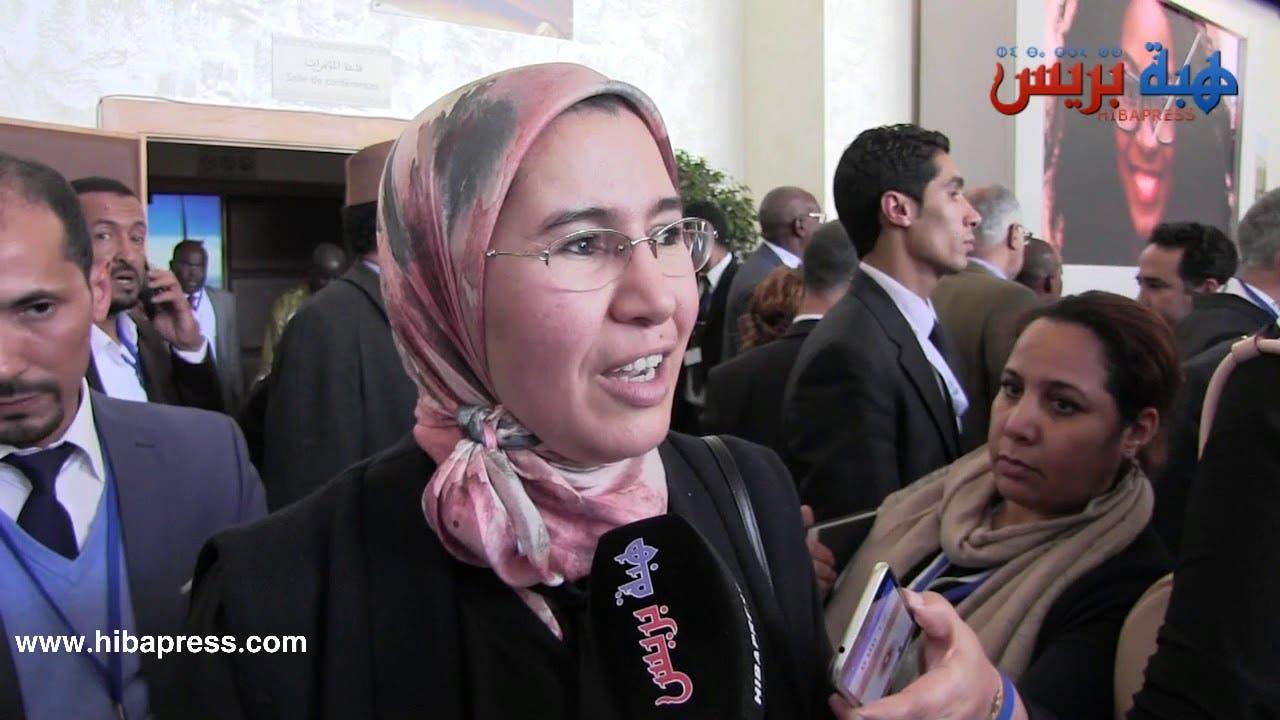 Photo of ما قالته نزهة الوافي عن منتدى مونتانا وحضورها لجانب العثماني