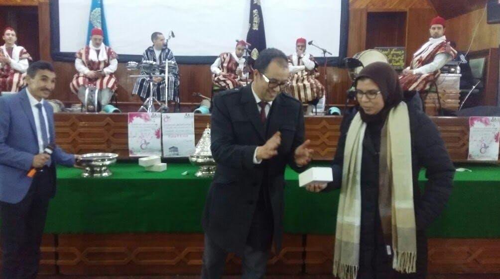 Photo of جمعية الأعمال الاجتماعية بعمالة افران تكرم الموظفات بمناسبة العيد الاممي للمرأة