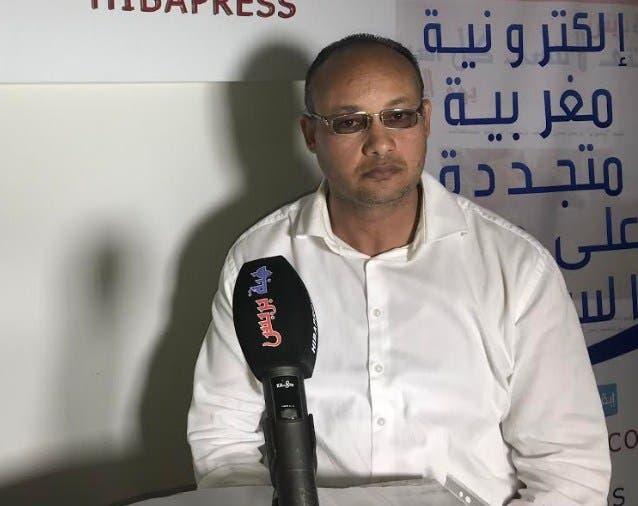 Photo of مصري يشتكي من شطط أمني وحجز جواز سفره وعن التهجير عبر ليبيا – فيديو – 