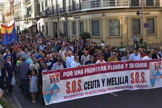 Photo of فوضى معبر باب سبتة تخرج آلاف الإسبان للإحتجاج في الشوارع