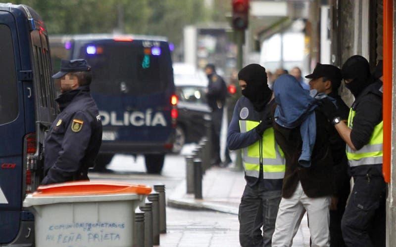 """Photo of إسبانيا .. اعتقال 3 مغاربة متورطين في دعم """"متطرفين"""""""