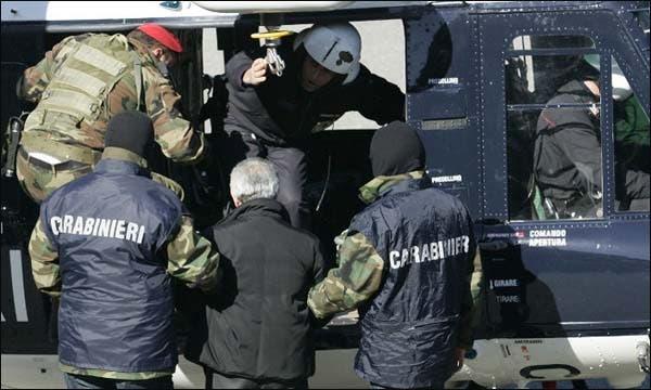 Photo of الداخلية الإيطالية ترحل مغربيا بسبب تهديده للأمن القومي