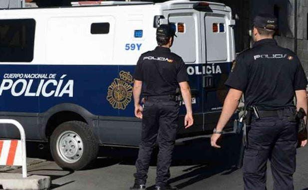Photo of سلطات مليلية المحتلة تعتقل مغربي بتهمة قطع الهاتف والانترنيت بالمدينة