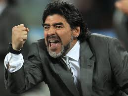 Photo of مارادونا يخرق قوانين كأس العالم ( صورة ) !