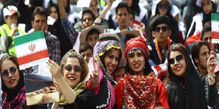 Photo of مونديال روسيا يكسر قاعدة منع المرأة الايرانية من حضور مباريات كرة القدم بعد 40 عاما .