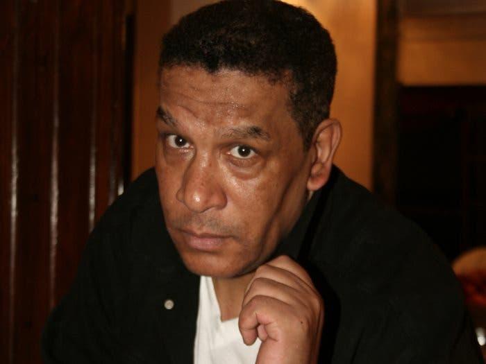 Photo of وفاة الفنان المصري  محمد شرف بعد صراع مع المرض