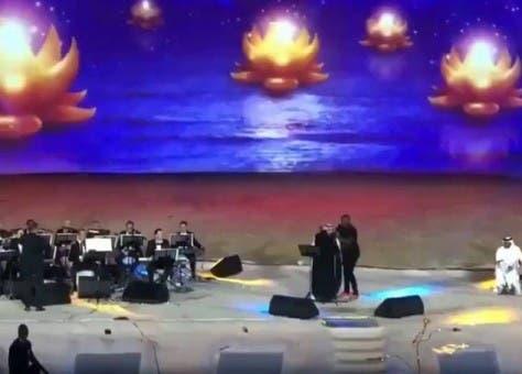 """Photo of اعتقال فتاة منقبة بتهمة """"عناق الفنان ماجد المهندس"""