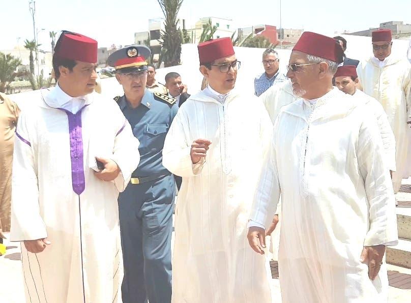 Photo of الملك يخص الشرفاء الأمغاريين بهبة ملكية في موسم الولي الصالح مولاي عبد الله + فيديو