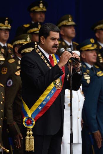 Photo of الرئيس الفنزويلى يتعرض لمحاولة اغتيال فاشلة