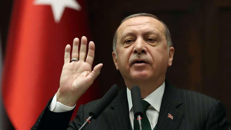 "Photo of أردوغان يَصفُ المُعَلقين بسلبية على انهيار العملة ب""الارهابيين الاقتصاديين"""