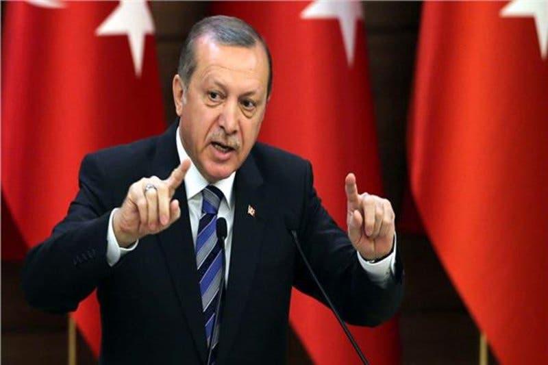 """Photo of """"أردوغان"""" لأمريكا: أتستبدلوننا بقس ونحن حلفاء؟!"""