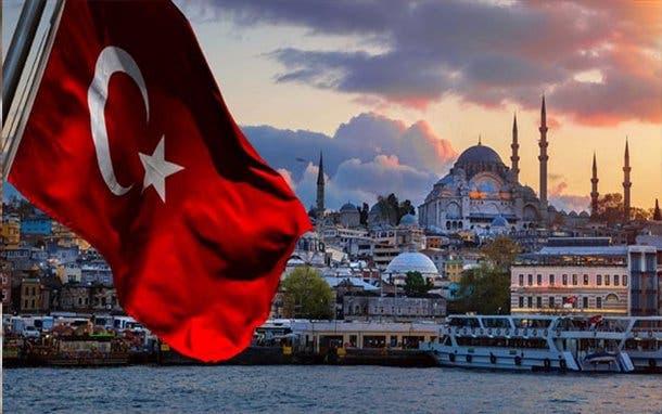 Photo of وزير الدفاع التركي: عازمون على الدفاع عن السيادة