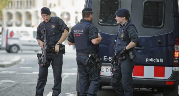 Photo of تفكيك شبكة دولية لتهريب المهاجرين بين إسبانيا وفرنسا