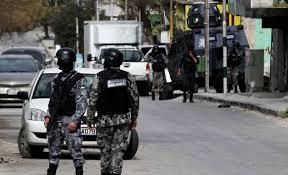 Photo of مقتل رجل أمني وإصابة ستة اخرين في انفجار مركبة بالأردن