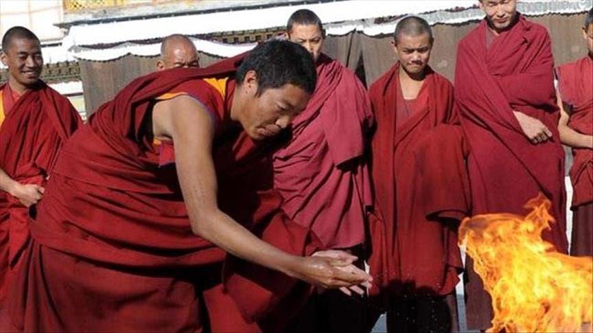 Photo of راهب بوذي يقنع راهبات صينيات أن الجنس من الطقوس الدينية