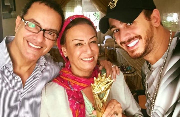 "Photo of والدة لمجرد تقاضي ""الحوار التونسية"" بعد سخريتها من ابنها ( فيديو )"