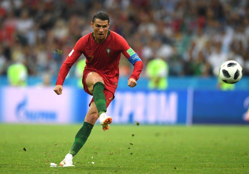 Photo of مدرب البرتغال يكشف سبب استبعاد كريستيانو