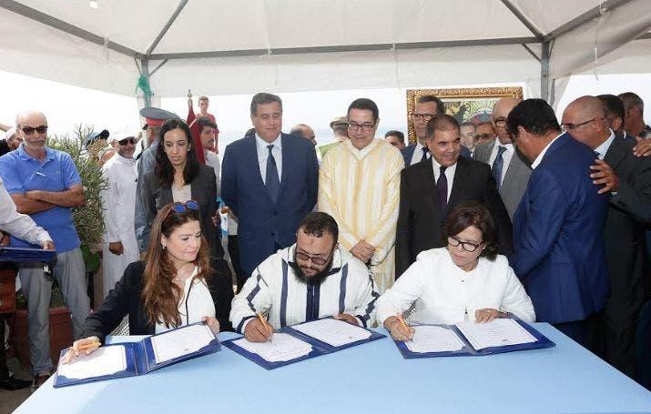 "Photo of أخنوش يشرف على توقيع اتفاقيات لدعم البحارة التقليديين بتغازوت ""فيديو"""