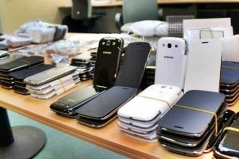 Photo of حجز حوالي 200 هاتف ذكي مهرب بميناء طنجة المتوسط