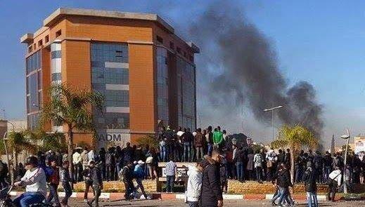 Photo of وجدة…هجوم بالأسلحة البيضاء على طلبة جامعة محمد الأول