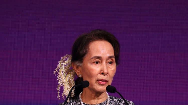 Photo of منظمة العفو الدولية تسحب جائزة حقوق الإنسان من زعيمة ميانمار