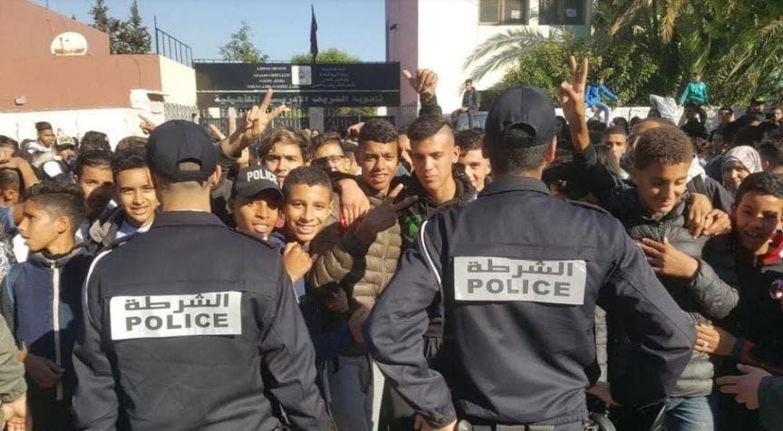 """Photo of تلاميذ البيضاء يواصلون المقاطعة و يوجهون رسالة للعثماني: """"المغرب ماشي ديالكم بوحدكم"""""""