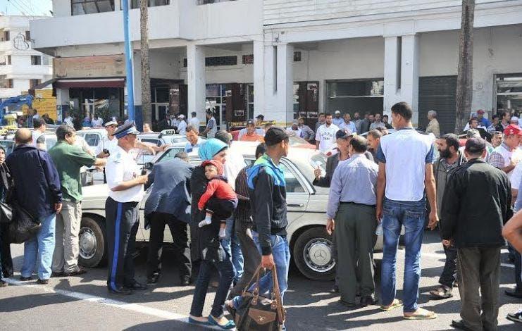 """Photo of أصحاب """"الطاكسيات"""" يتشبتون بزيادة الأسعار وسط تذمر كبير للركاب بالبيضاء"""
