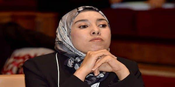 Photo of برلمانية من البيجيدي لماء العينين : قرار نزع الحجاب لا يكون بوضعه في مكان والتخلص منه في مكان آخر