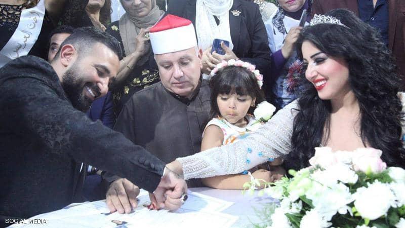 Photo of أحمد سعد يعلن الطلاق من سمية الخشاب
