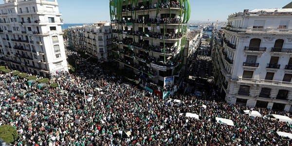Photo of القناة الثانية 2M تلغي حلقة من برنامج حول الاحتجاجات في الجزائر