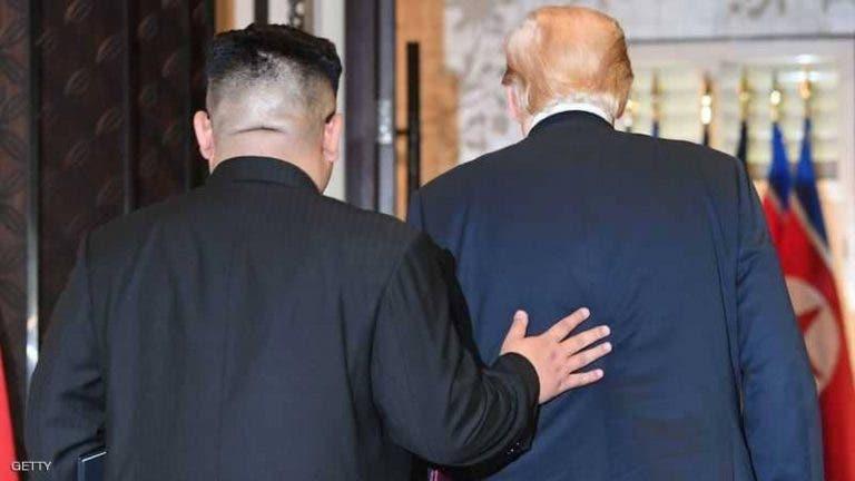 """ترامب """"يفضح"""" كيم: قتل عمه.. وارتكب فعلا مشينا برأسه"""